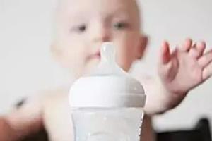 宝宝厌奶原因多,心理,生理,病理如何区分?