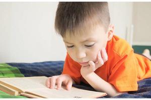 父母对孩子的陪伴 需要坚持原则