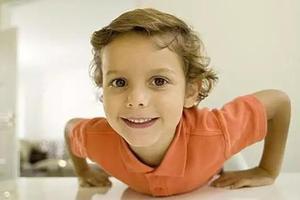 学龄前培养宝宝运动最佳时机 这样训练别错过