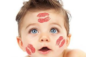 宝宝频繁眨眼怎么了?