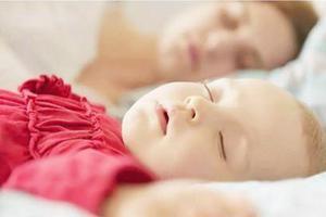 一岁宝宝夜里总是要尿两三次要干预吗?