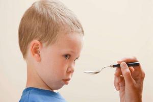 孩子爱趴睡与消化不良有关系吗?