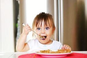 《张思莱小课堂》第2期:如何让孩子学会使用勺子吃饭?