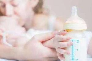 《张思莱小课堂》第1期:如何训练孩子用杯子喝奶?