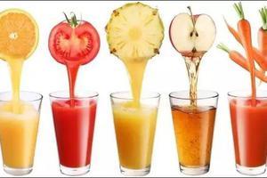 夏天到 喝果汁!但专业人士却说 这些孩子不能喝
