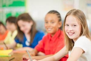 教育部:小学严格执行免试就近入学 幼儿园不得设学前班