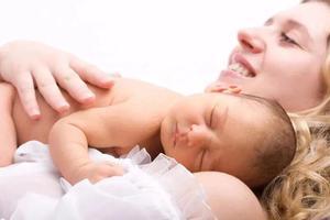 十個寶寶九個黃 細說新生兒退黃 曬太陽靠譜嗎?