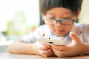 孩子三大行為變化 可能出現了網癮現象
