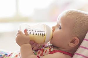 寶寶該補充維生素AD還是維生素D呢?