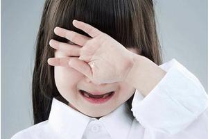 《張思萊小課堂》第52期:孩子為什么會反復有節奏地撞頭?