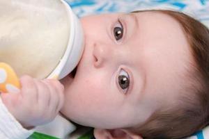 孩子多大就能戒奶瓶?