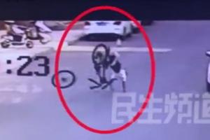 兒童騎車突然飛起來 店家:輪胎的自卸功能導致