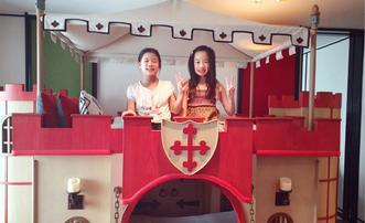 吴尊带女儿飞新加坡找朋友