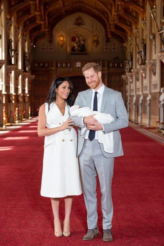 2019年5月6日凌晨5点26分,梅根王妃诞下男婴