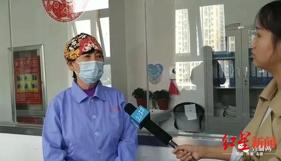 ↑新生儿科主任杨震英接受采访。图据齐鲁网