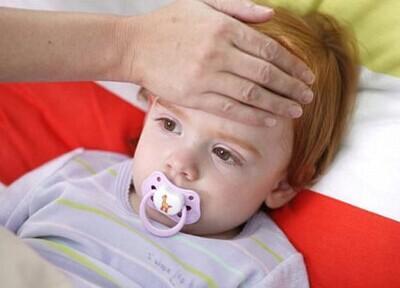继发小心后爸妈分泌孩子感冒性感美腿杨清发烧性中耳炎图片