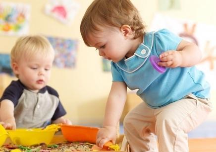 对宝宝进行感官训练 开发孩子智力小绝招智者无敌谁是白鸽