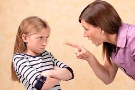 为什么我的孩子不合群,总爱自己呆着?