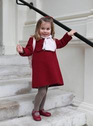 英国夏洛特小公主上幼儿园啦