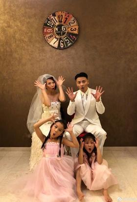 蔡少芬张晋结婚十年拍婚纱照