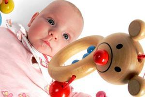 家长要注意了 这种玩具会导致宝宝耳聋