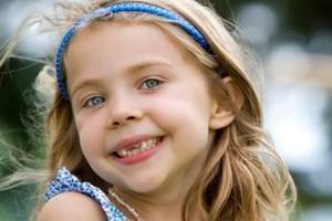 牙齿排列不齐 11-13岁是最佳矫治期