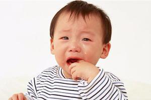 宝宝再用奶瓶时,有没有必要使用奶瓶消毒器?