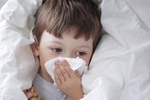 别拿宝宝鼻涕当小事 不同颜色鼻涕代表不同疾病信号