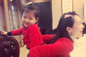章子怡陪醒醒跨年 为女儿讲故事感叹时光飞逝
