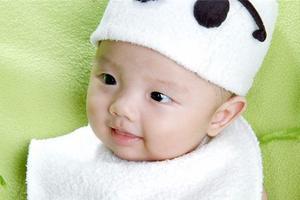 宝宝一吃就吐是什么原因造成的?