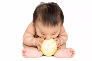 制止宝宝吃手会有什么后果呢?