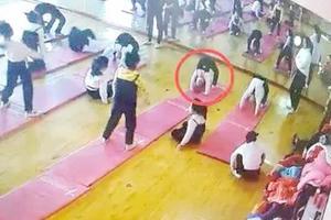 5岁女童因1个动作双下肢瘫痪 学这些孩子没到年龄