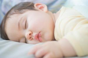 宝宝的皮肤很敏感 妈妈一定要多加呵护