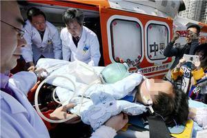 湖北恩施6岁男孩呼吸衰竭 直升机运武汉抢救(图)