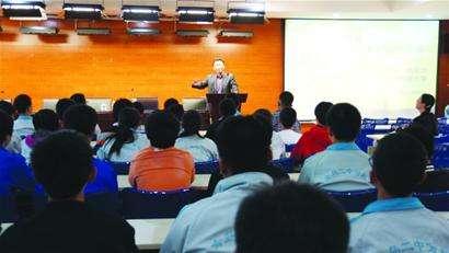山东高中将实施全员育人导师制 所有老师均成导师