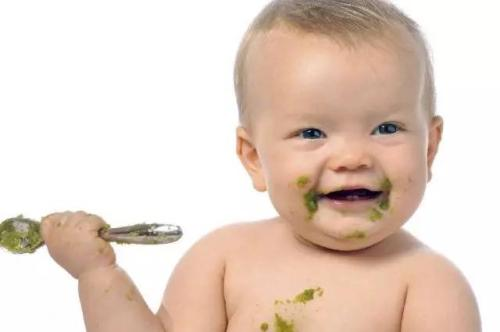 给宝宝冲米粉 用奶还是白开水?用蔬菜