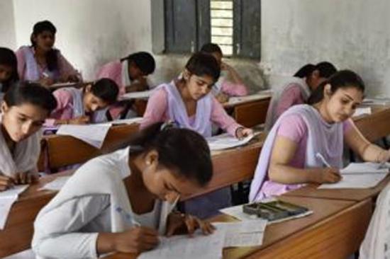 2名印度女学生被怀疑偷窃100块 遭老师