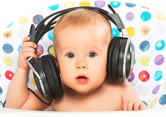警惕!耳机使用不当会对听力造成永久损