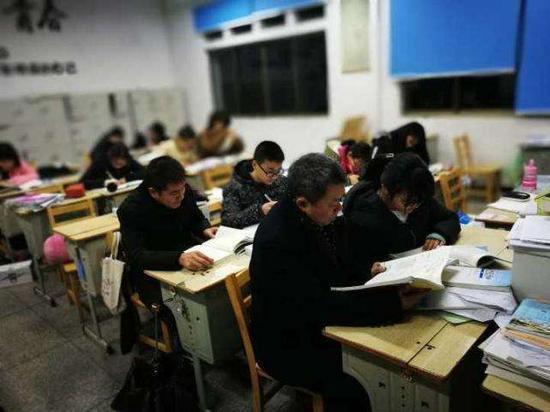 浙江一高中可让寄宿生家长周末来校陪读