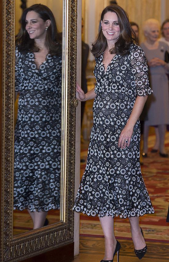 凯特王妃第三胎孕照