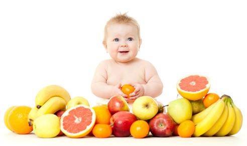婴幼儿忌吃过多水果 会加重消化的负担
