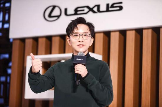 著名京剧演员王珮瑜出席北京站活动