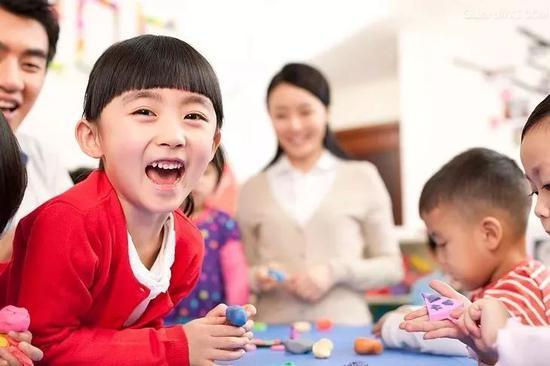 """""""麻烦您关照下孩子"""" :家长老师该如何沟通?"""
