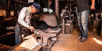 历经百年的日本铁匠铺