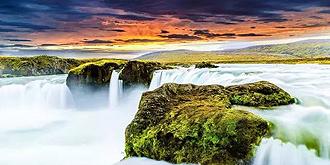 世间少有的马蹄形瀑布