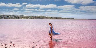 让人少女心爆棚的粉色湖泊