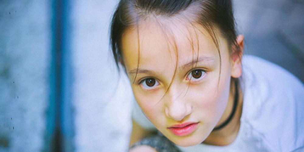 9岁混血小萝莉