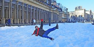 被雪覆盖的捷克小城