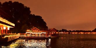 京城暴雨来临前的景象