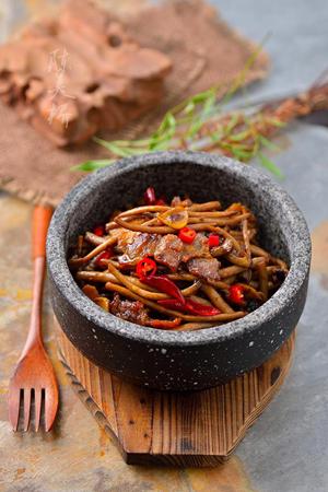 人人都爱吃的茶树菇怎么做